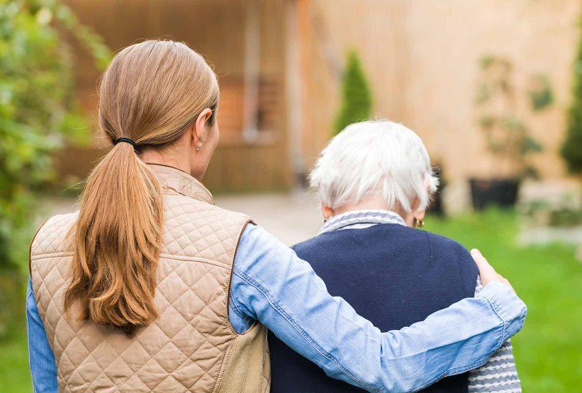aide aux familles pour soins à une personne souffrant d'Alzheimer